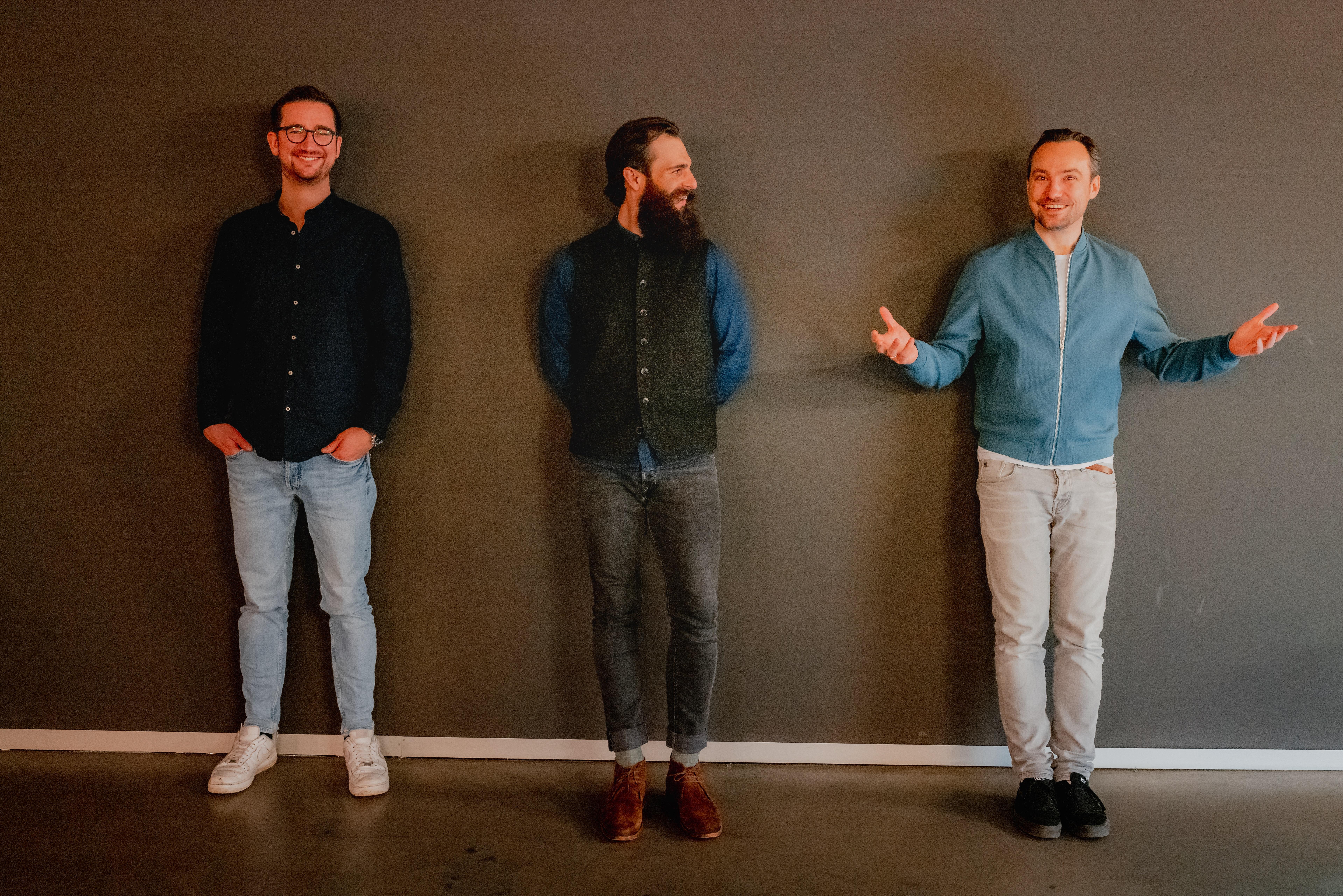 Gründerfoto mit Dimitri, Dominik und Andreas